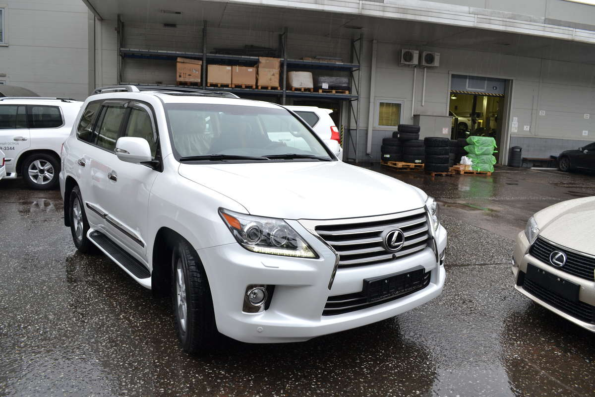 Lexus lx 570 2012 photo - 3