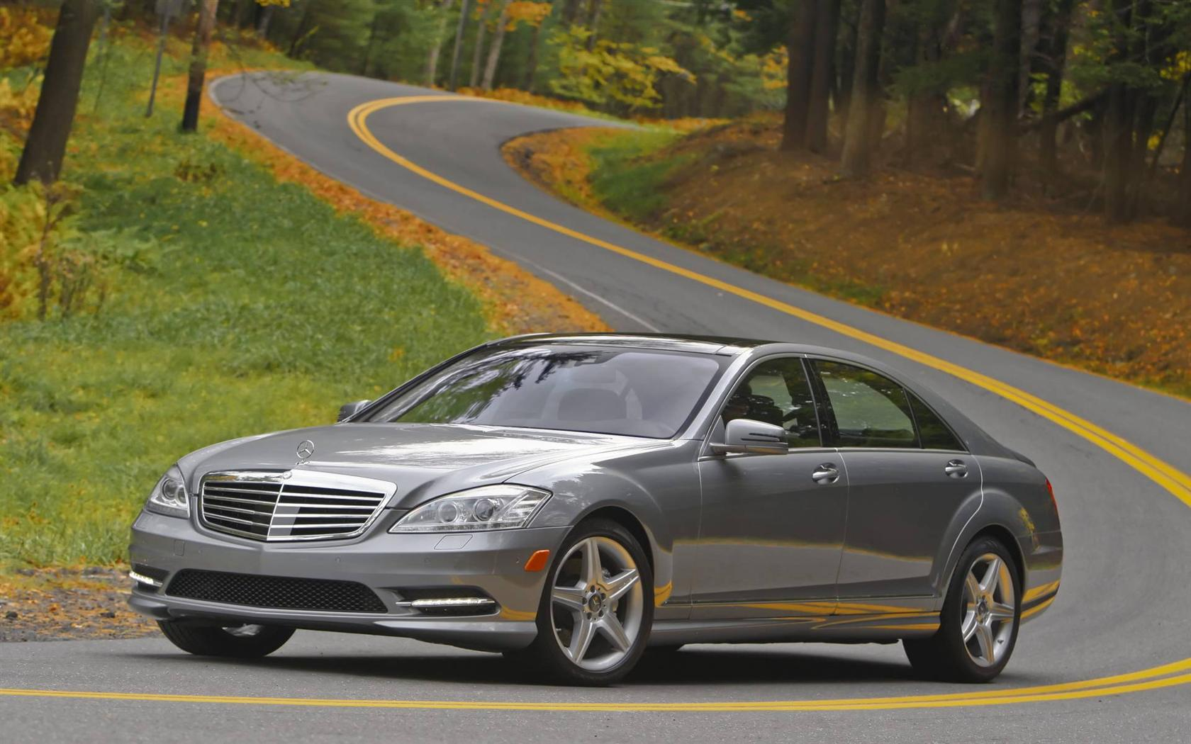 Mercedes benz s550 2013 review amazing pictures and for Mercedes benz sedan 2013