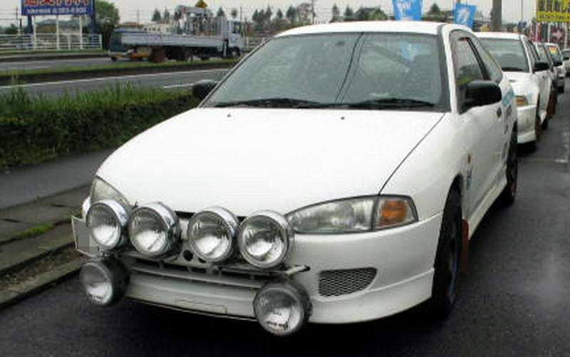 Mitsubishi Mirage 1996 photo - 2