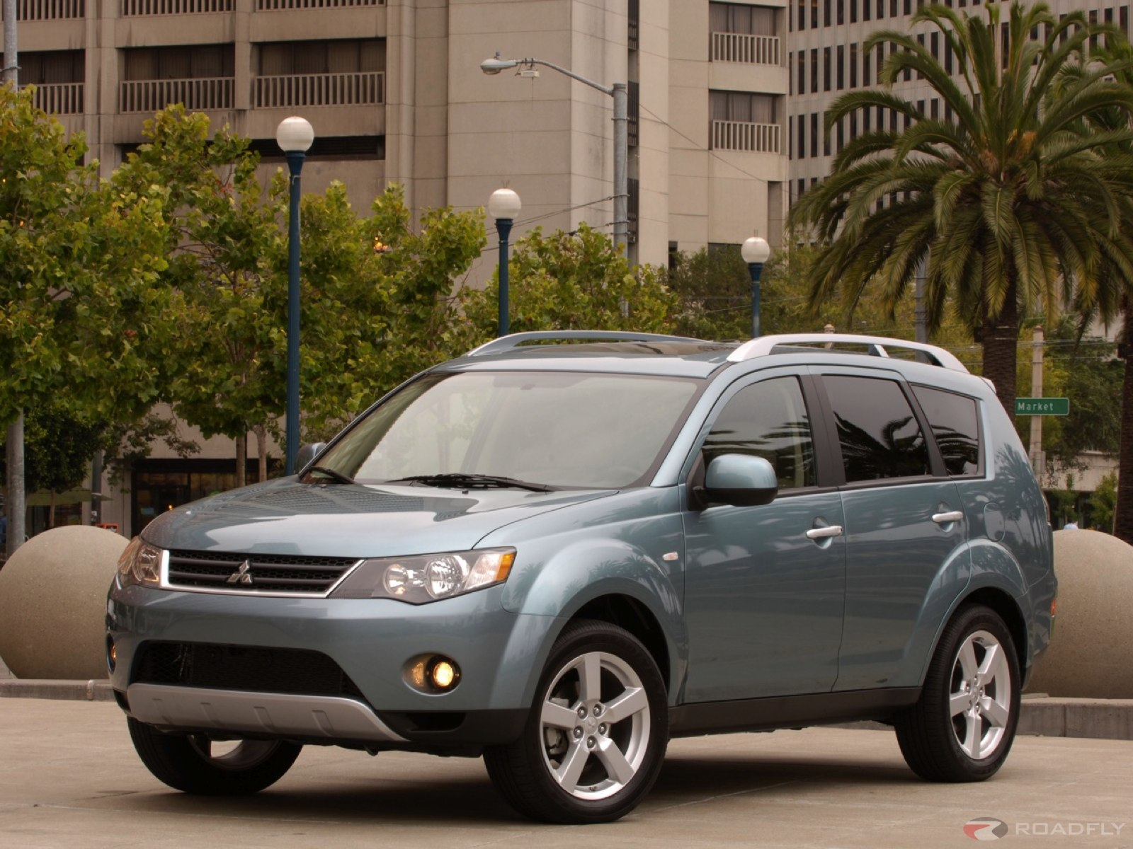 mitsubishi outlander 2005 review amazing pictures and. Black Bedroom Furniture Sets. Home Design Ideas