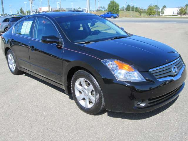 Nissan Altima 2008 photo - 2