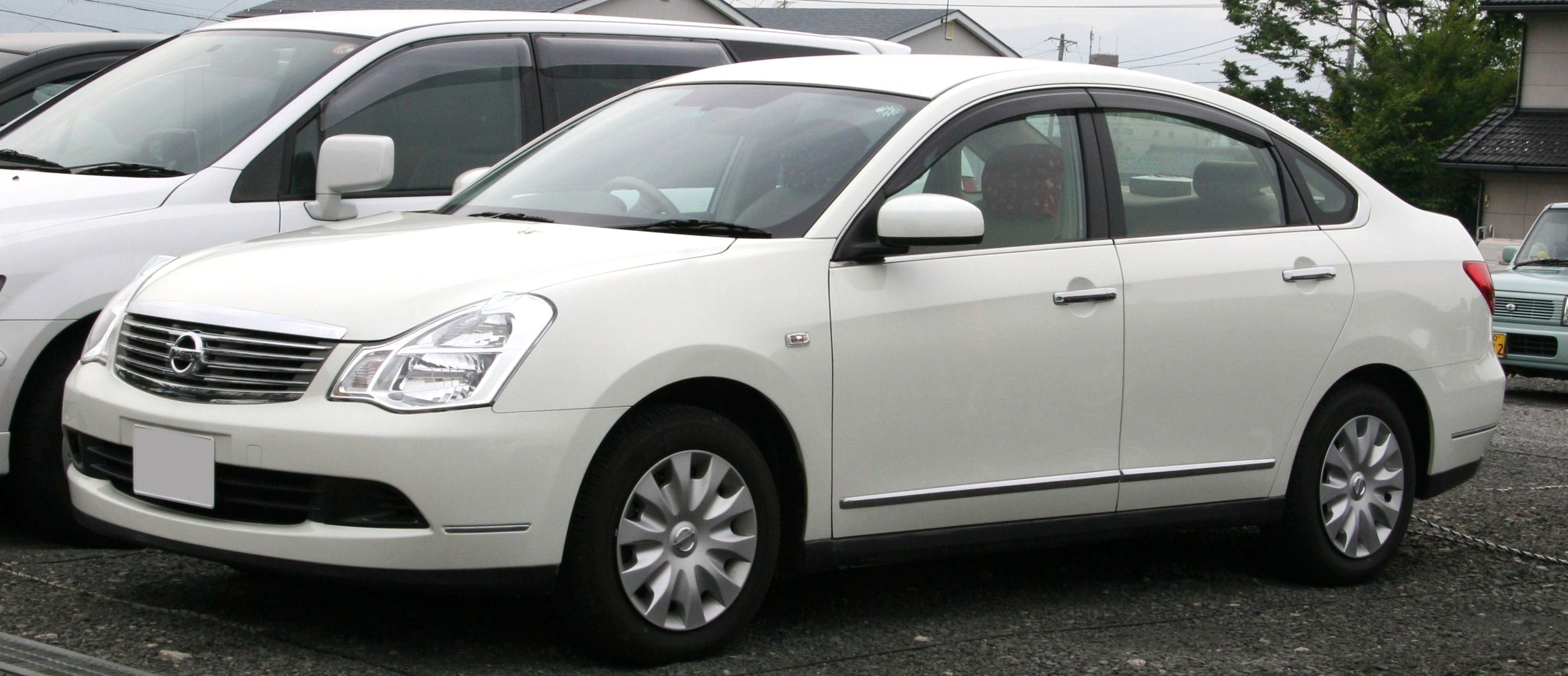 Nissan Bluebird 2009 photo - 3