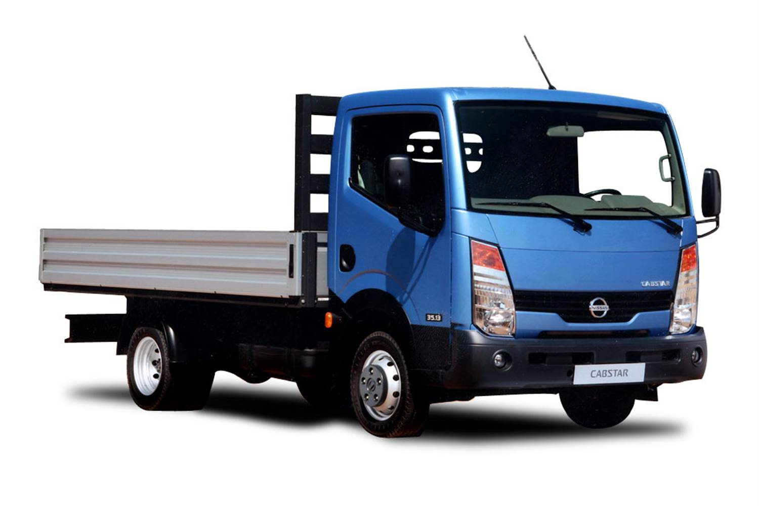 Nissan Cabstar 2004 photo - 1
