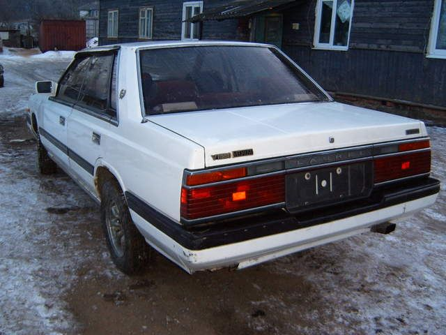 Nissan Laurel 1985 photo - 2