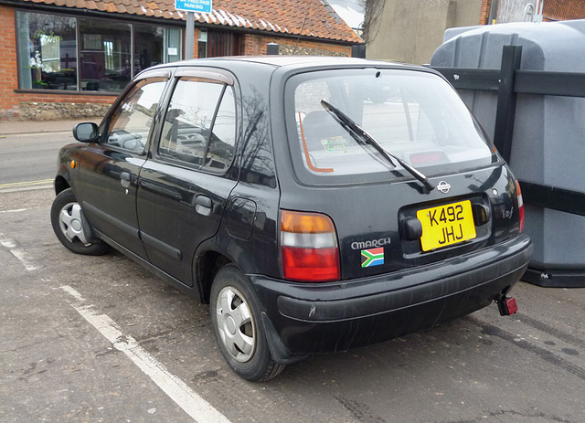 Nissan March 1993 photo - 1