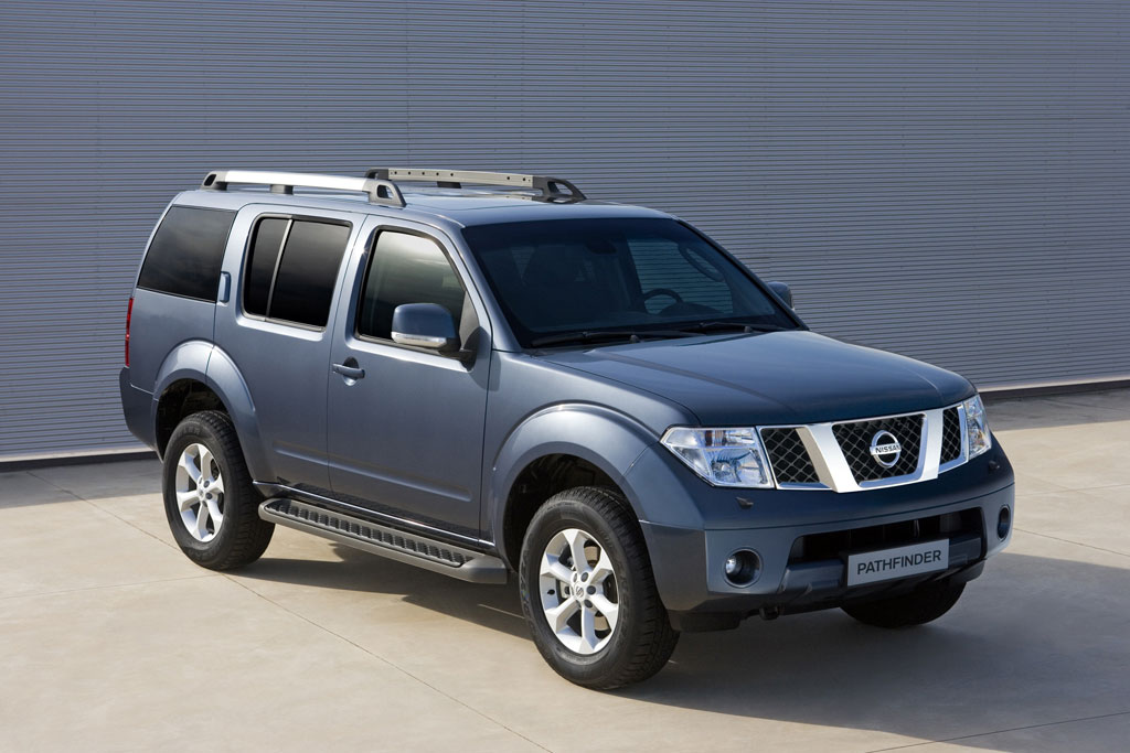 Nissan Navara 2011 photo - 2