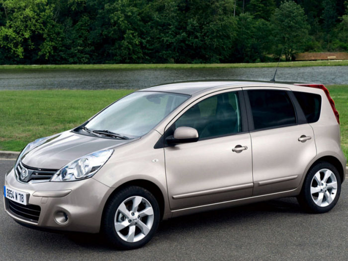 Nissan Note 2004 photo - 1