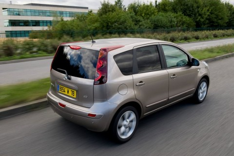 Nissan Note 2009 photo - 2