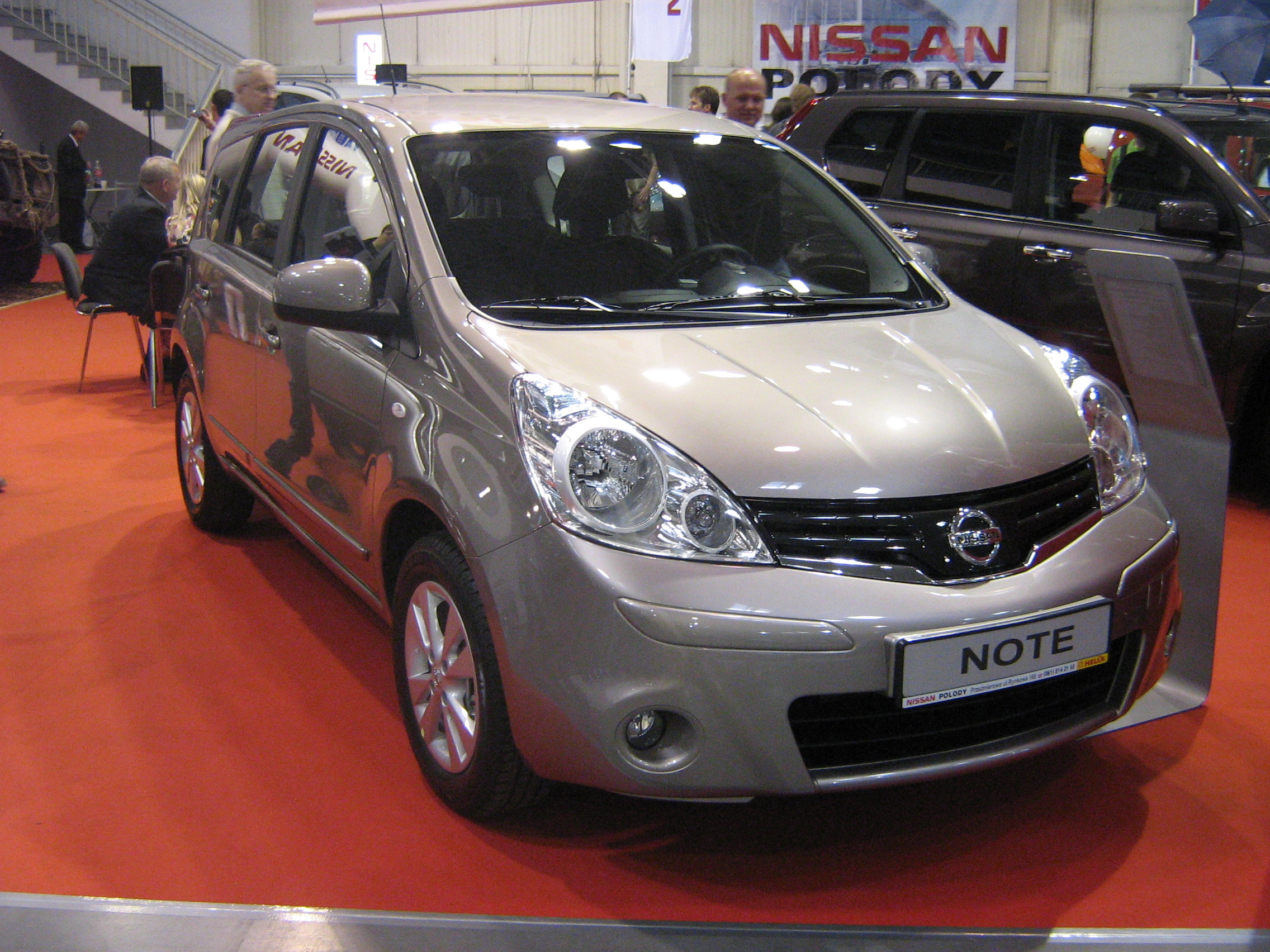 Nissan Note 2009 photo - 3