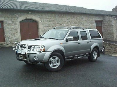 Nissan Pickup 2003 photo - 2
