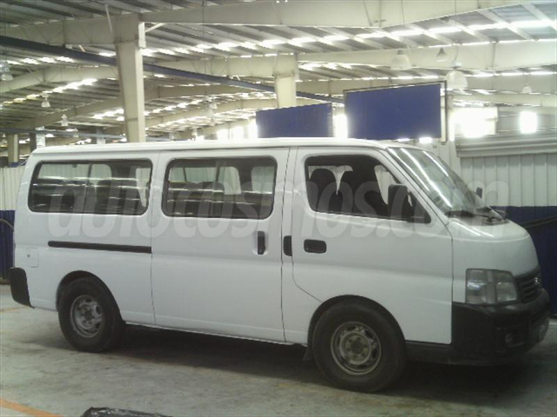 Nissan urvan 2002 photo - 1