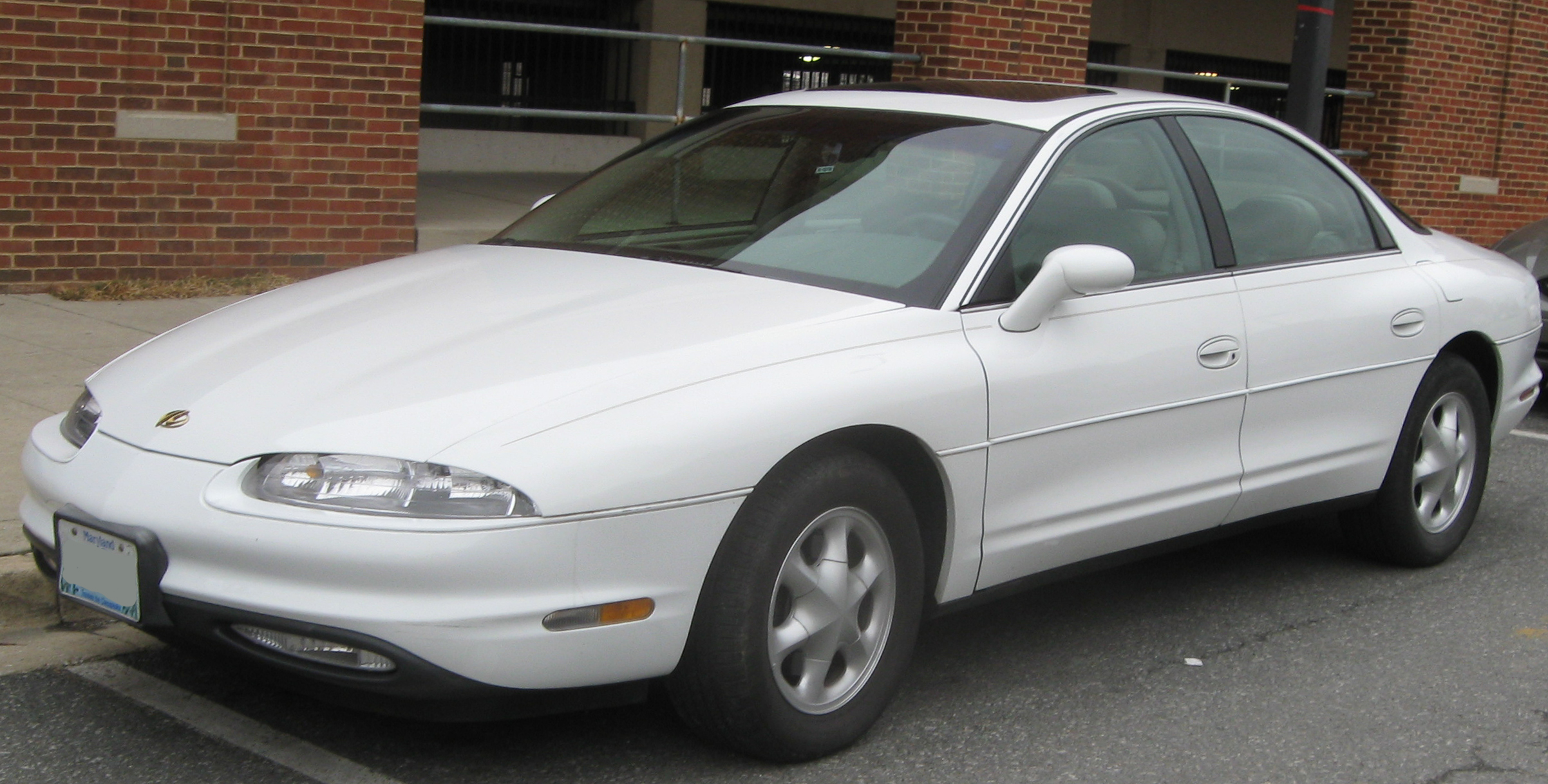 Oldsmobile Aurora 1999 Photo 2