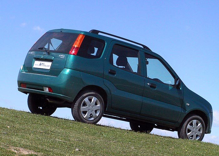 Suzuki Ignis 2000 photo - 1