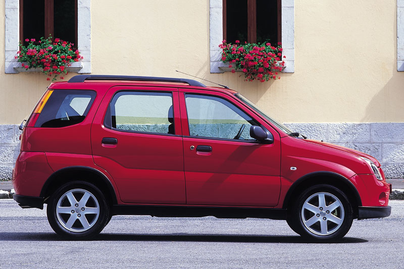 Suzuki Ignis 2000 photo - 3