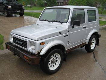 Suzuki Samurai 1989 photo - 3