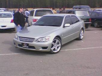 Toyota Altezza 2000 photo - 4