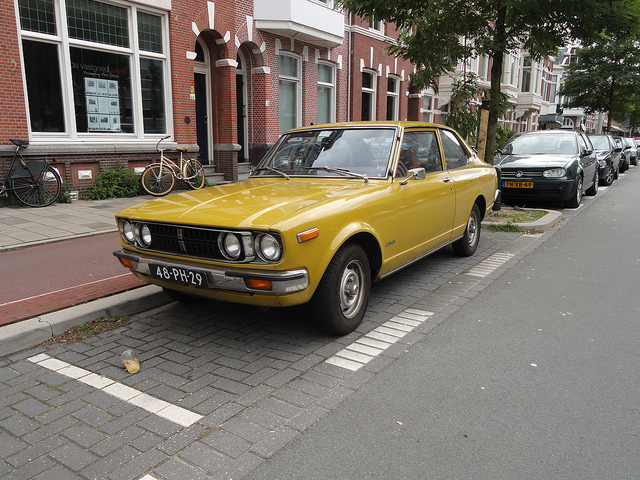 Toyota Carina 1977 photo - 7