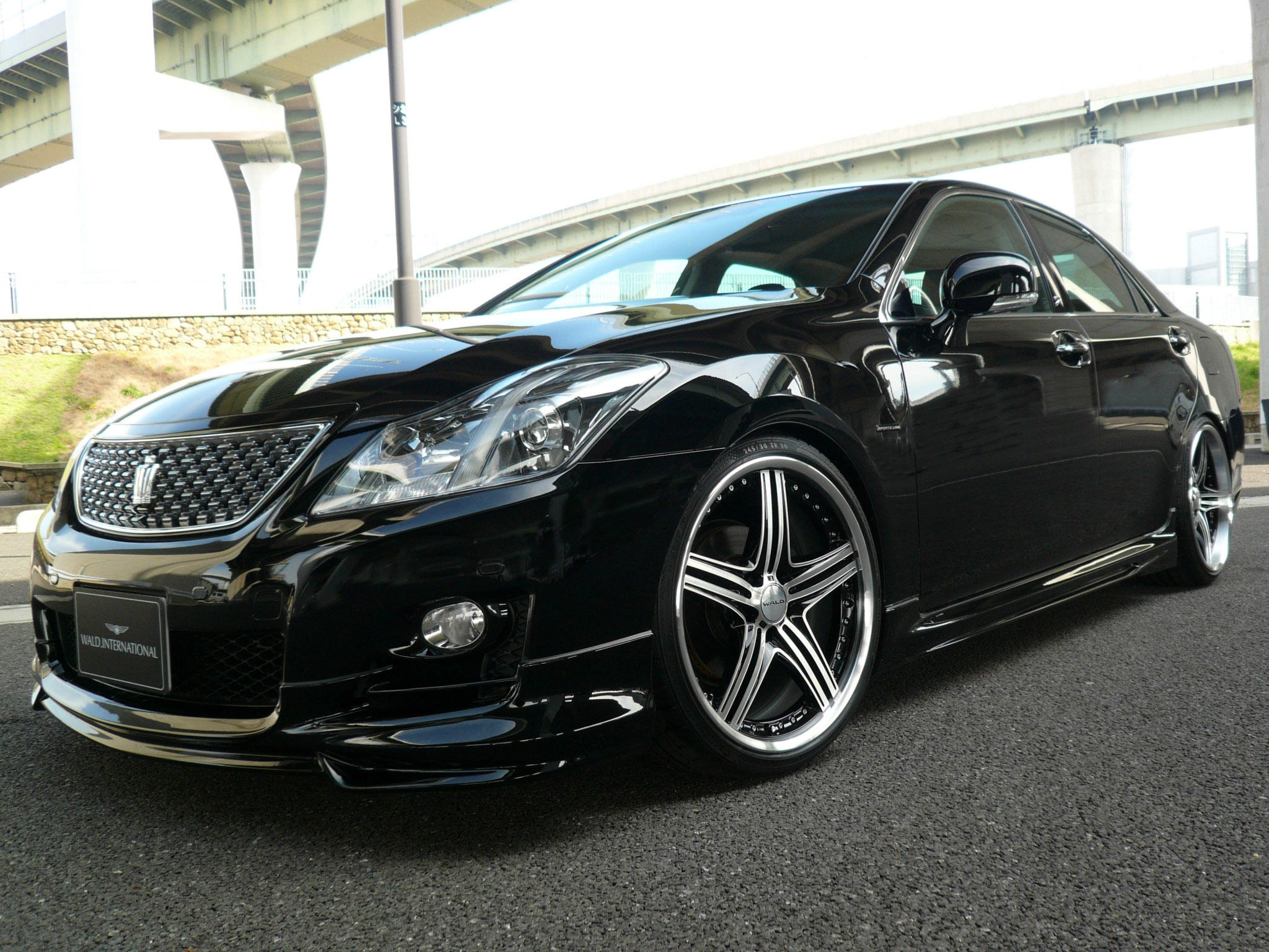 Toyota crown 2004 photo - 2