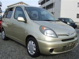 Toyota Funcargo 2004 photo - 3