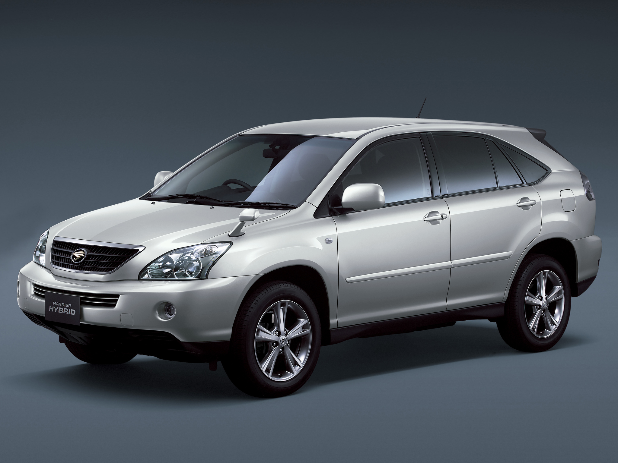 Toyota Harrier 2005 photo - 4