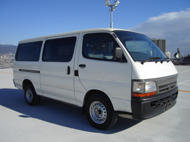 Toyota Hiace 2001 photo - 1