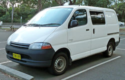 Toyota Hiace 2001 photo - 4