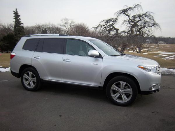 Toyota Highlander 2013 photo - 3