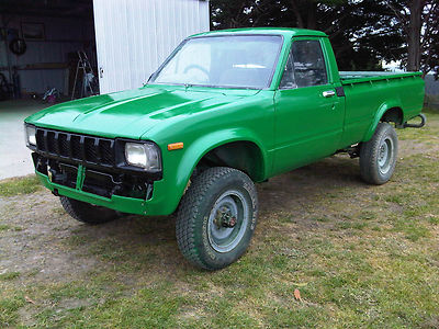 Toyota Hilux 1982 photo - 4