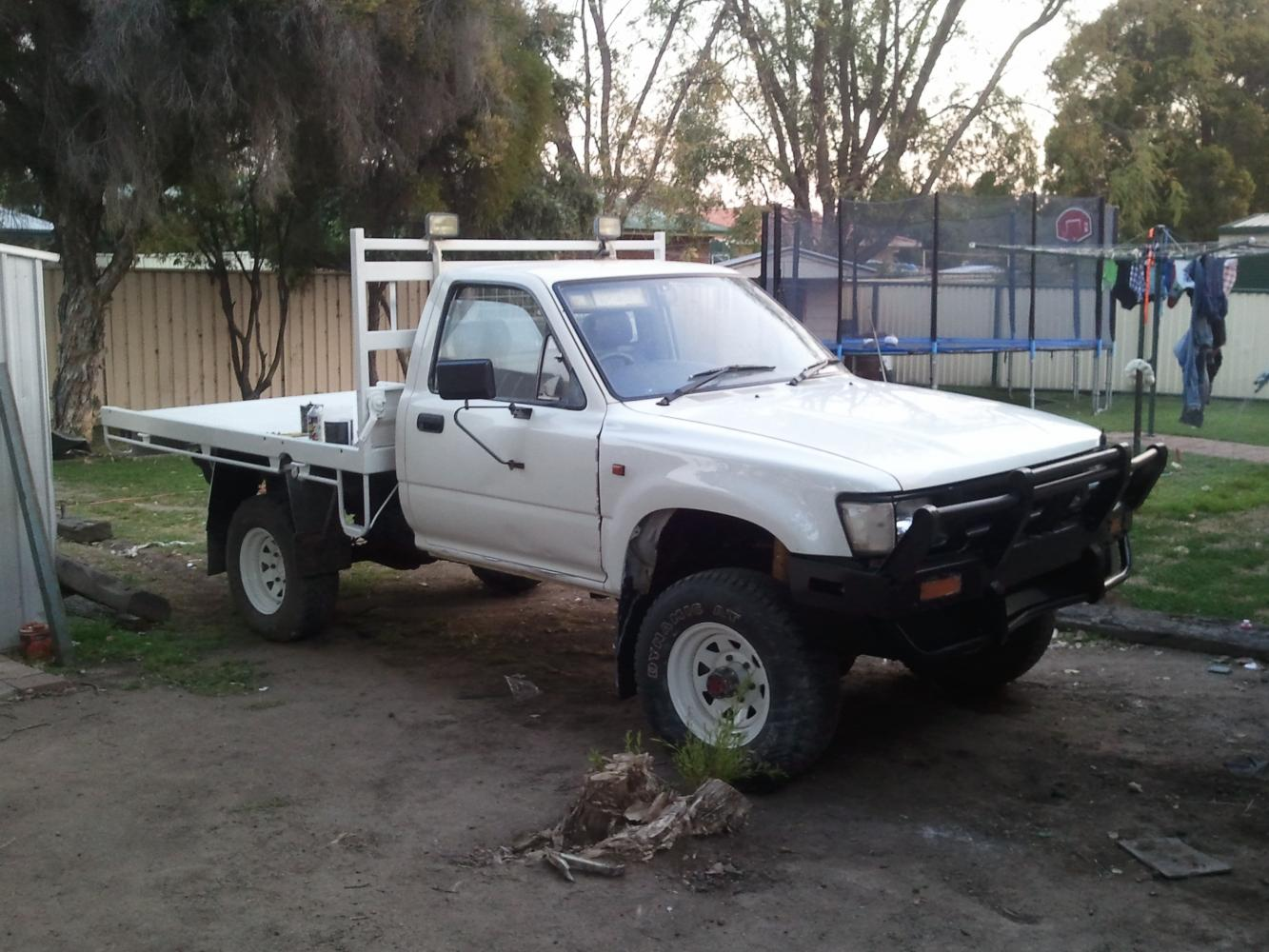 Toyota Hilux 1994 photo - 4