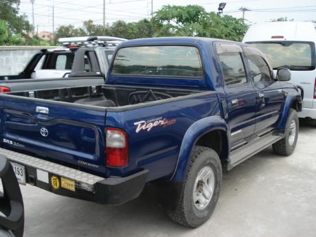 Toyota Hilux 2000 photo - 3