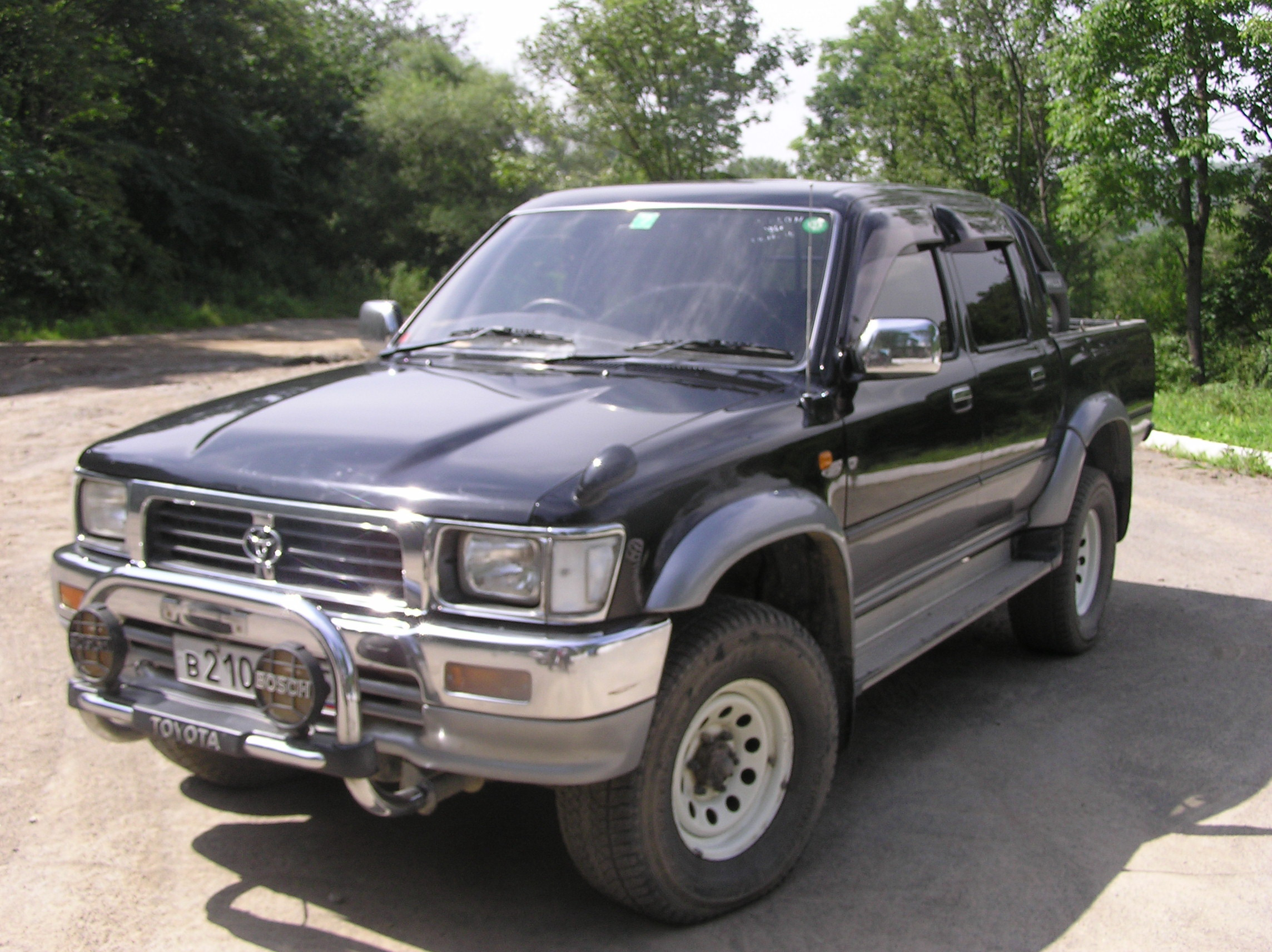 Toyota Hilux Surf 1996 photo - 5