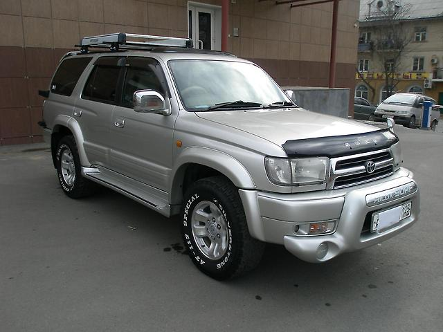 Toyota Hilux Surf 2000 photo - 3