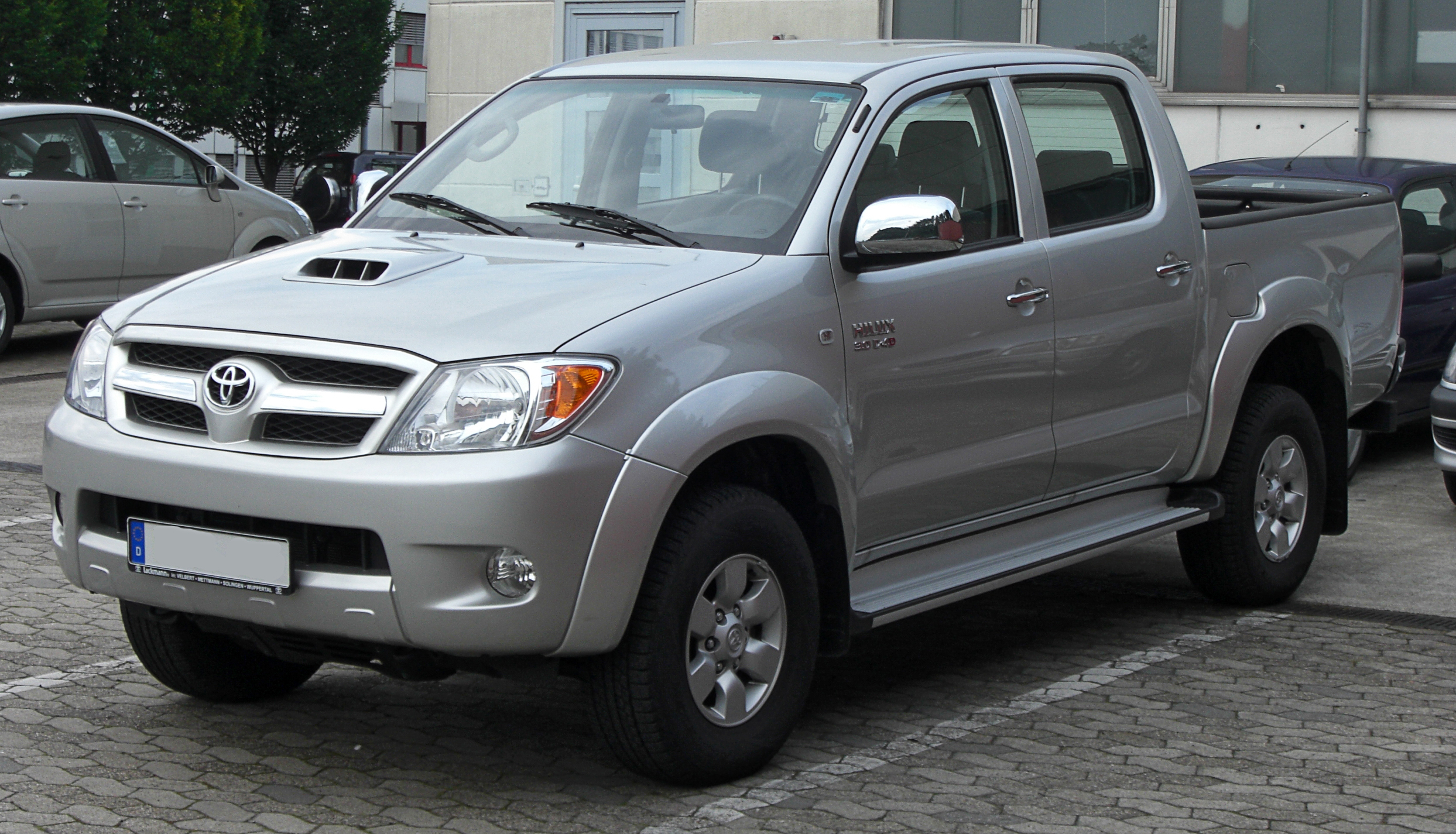 Toyota Hilux Surf 2003 photo - 2