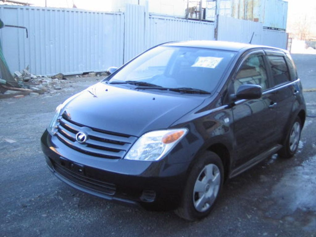 Toyota Ist 2006 photo - 1