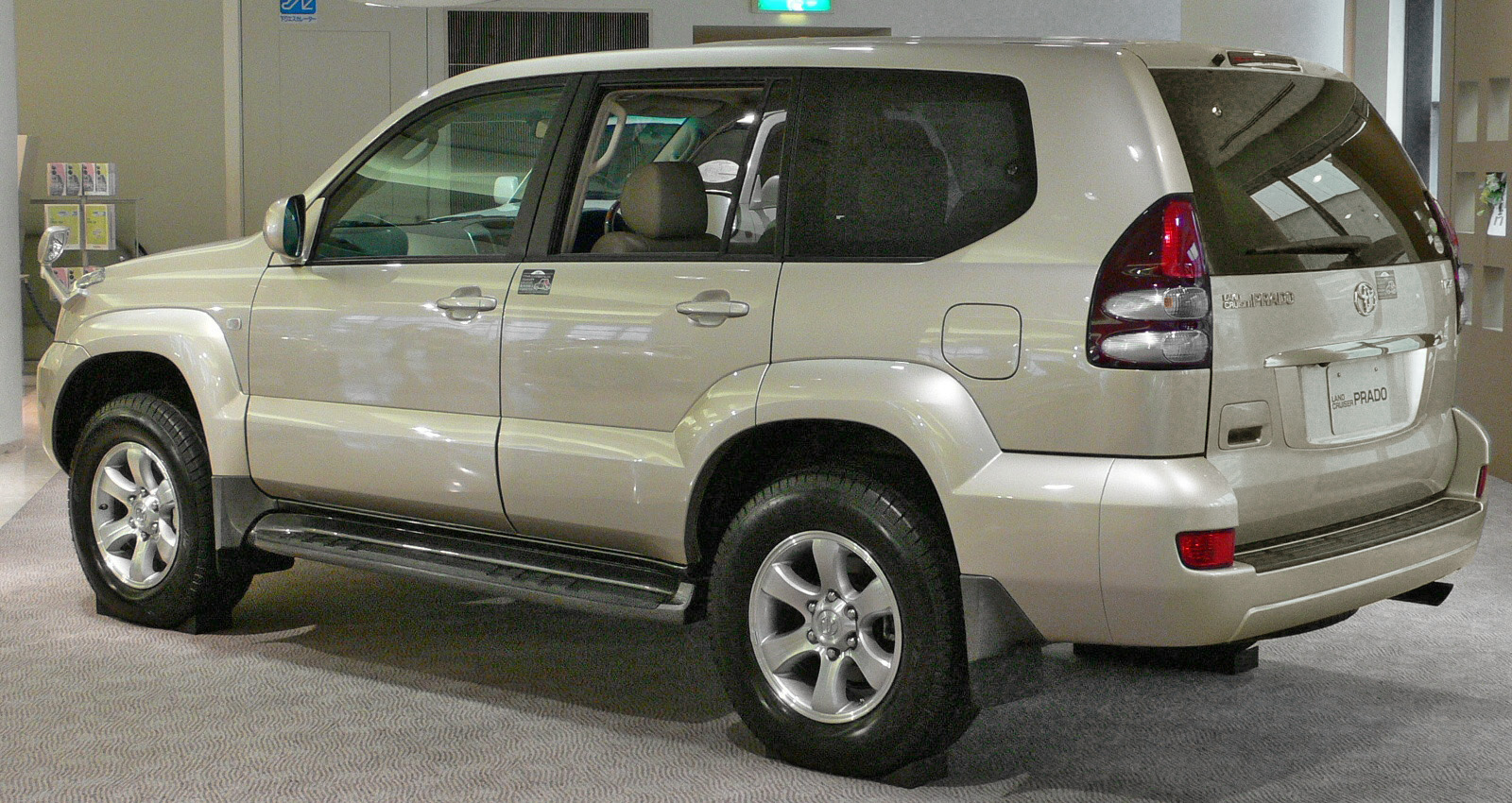 2002 toyota land cruiser review