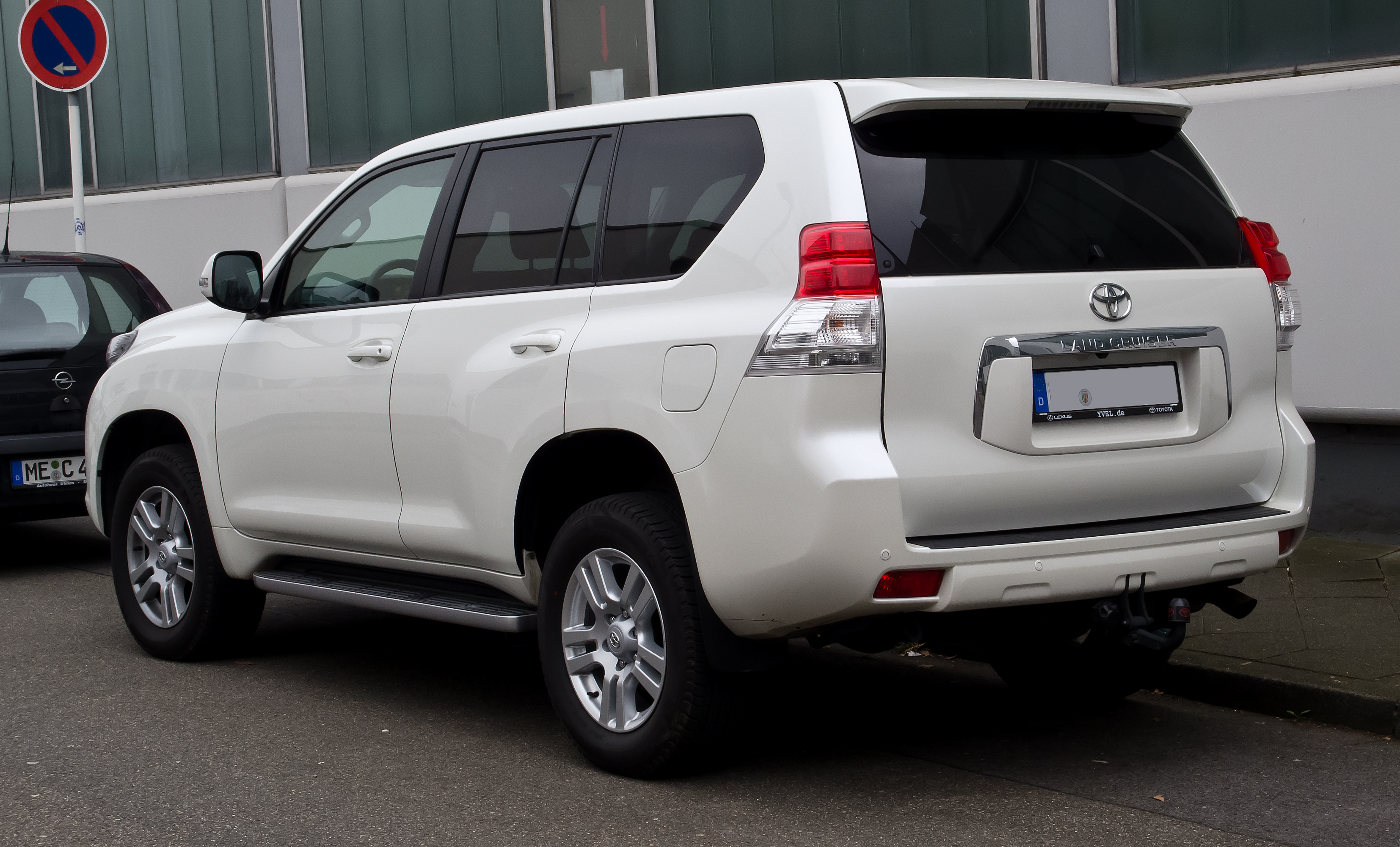 Toyota Land Cruiser 2012 photo - 1