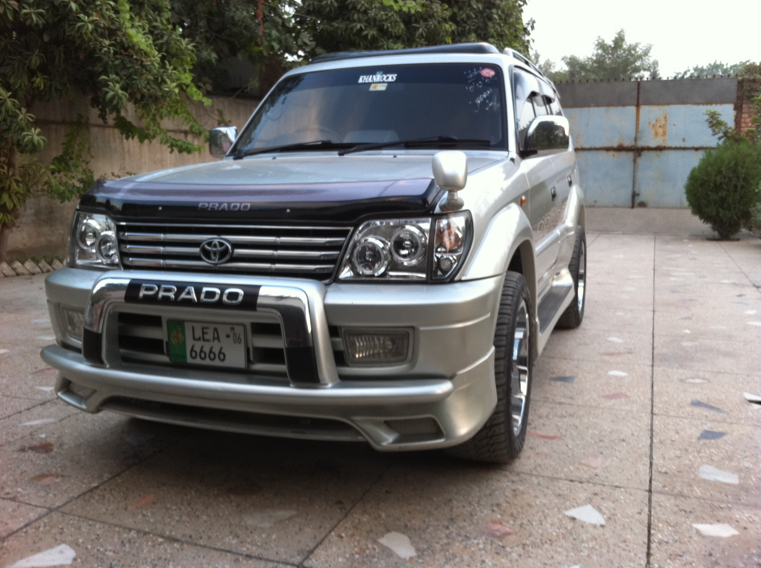 Toyota Land Cruiser Prado 1996 photo - 3