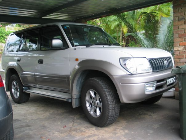 Toyota Land Cruiser Prado 2004 photo - 4