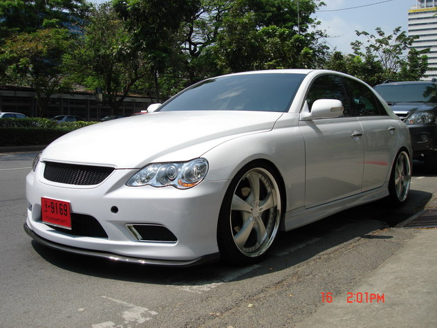 Toyota Mark X 2011 photo - 4