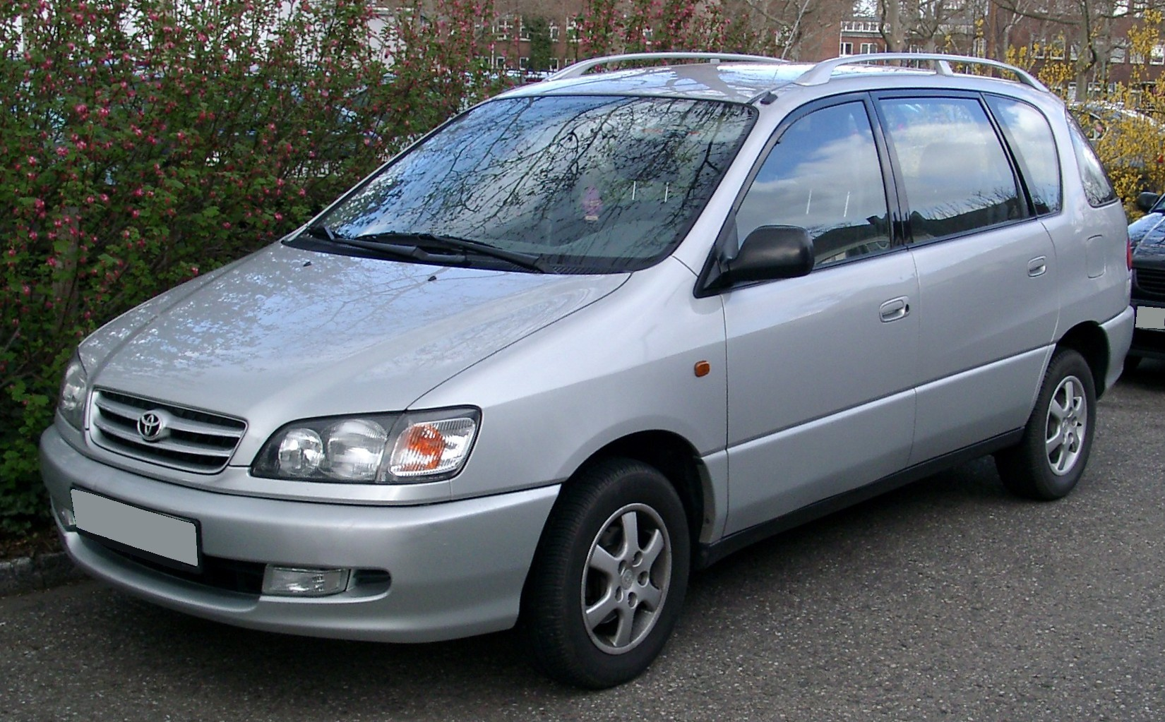 Toyota nadia 2005 photo - 3
