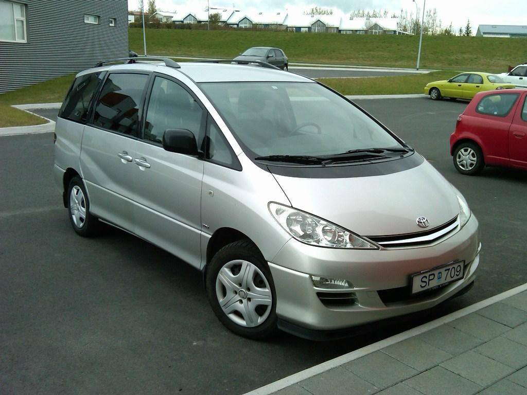 Toyota Previa 2003 photo - 2