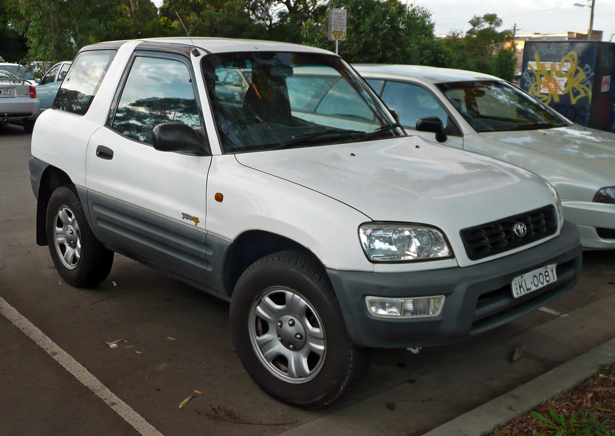 Toyota RAV4 2000 photo - 2
