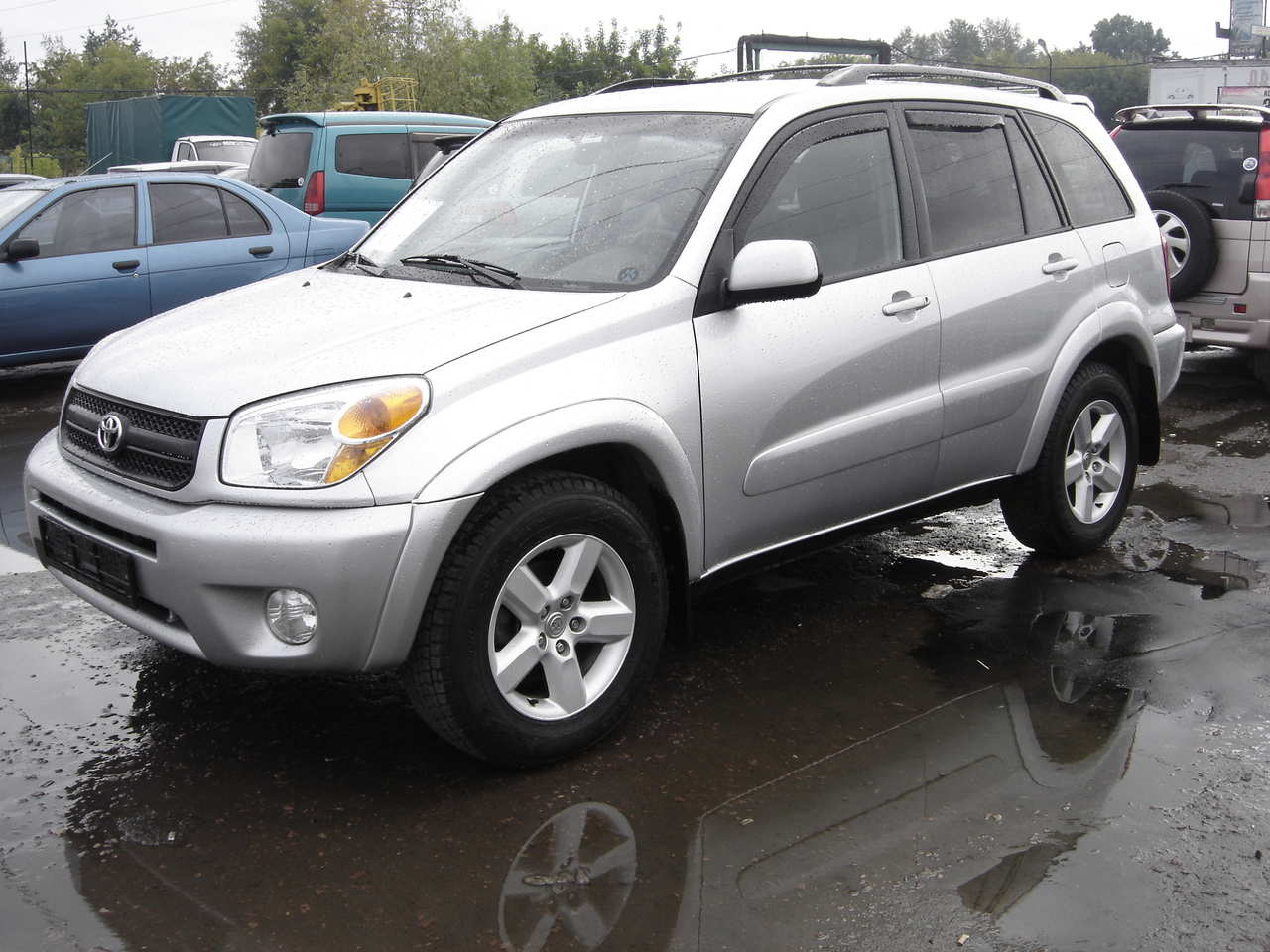 Toyota RAV4 2004 photo - 3
