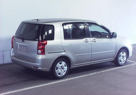 Toyota raum 2007 photo - 1