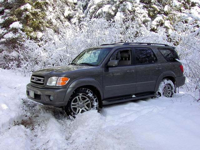 Toyota Sequoia 2003 photo - 2