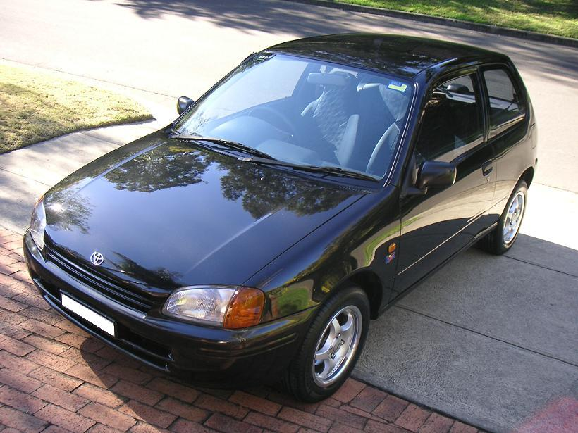 Toyota Starlet 1996 photo - 3