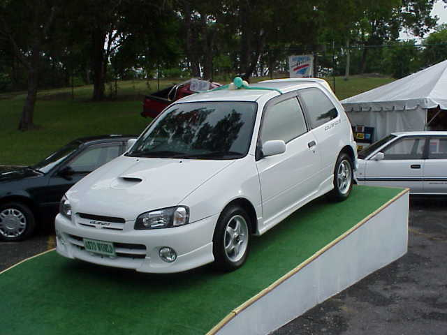 Toyota Starlet 1998 photo - 2