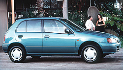 Toyota Starlet 1999 photo - 3