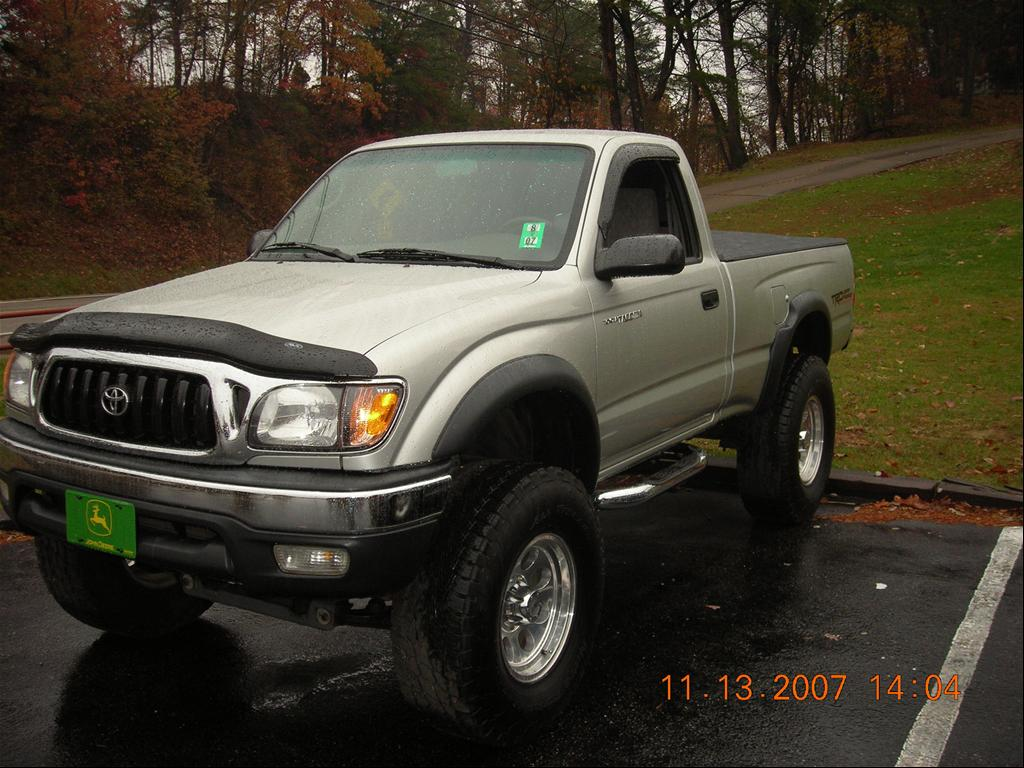 Toyota Tacoma 2002 photo - 1