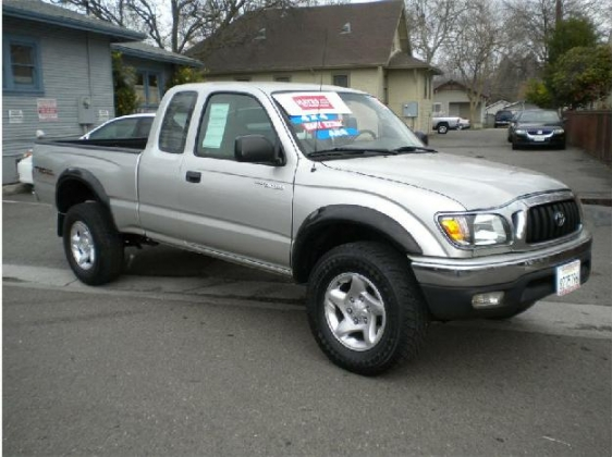 Toyota Tacoma 2002 photo - 3